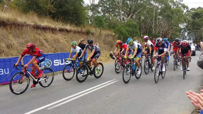 Lap 15: The winning group go over the KOM.